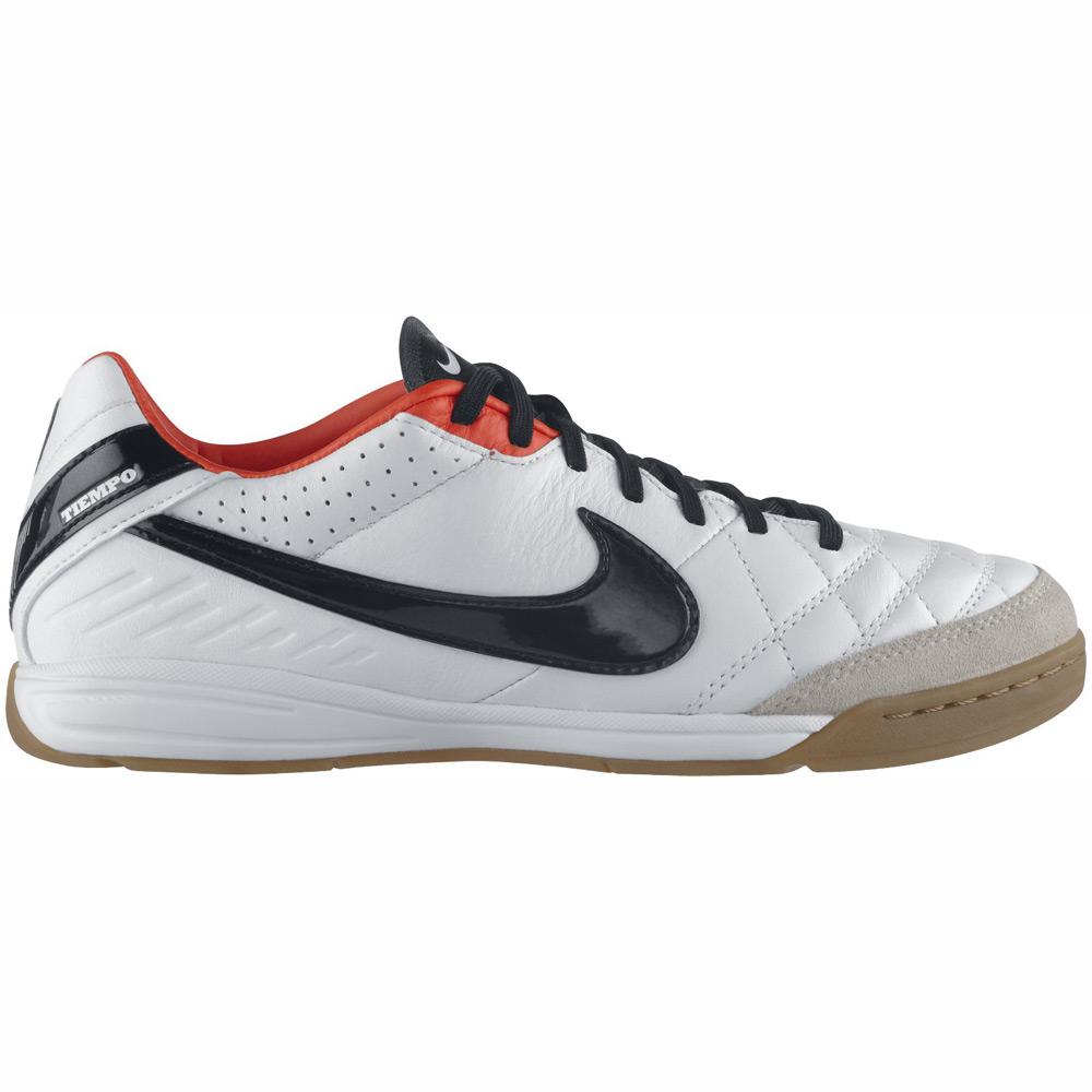 Футзальные бутсы Nike Tiempo Mystic IV с мягкой подошвой.