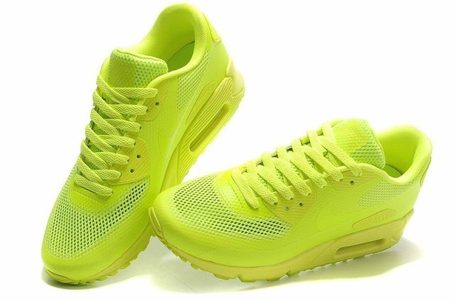 d46dd3e2 Кроссовки Hyperfuse – продолжение линии Nike Air Max 90, являющейся самой  распространенной в наше время. Совершенствуя серию, дизайнеры пришли к  мнению, ...