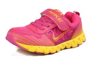 Кроссовки Nike для девочек и девушек