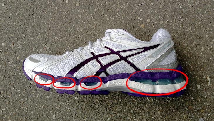 Спортивные беговые кроссовки для бега по асфальту
