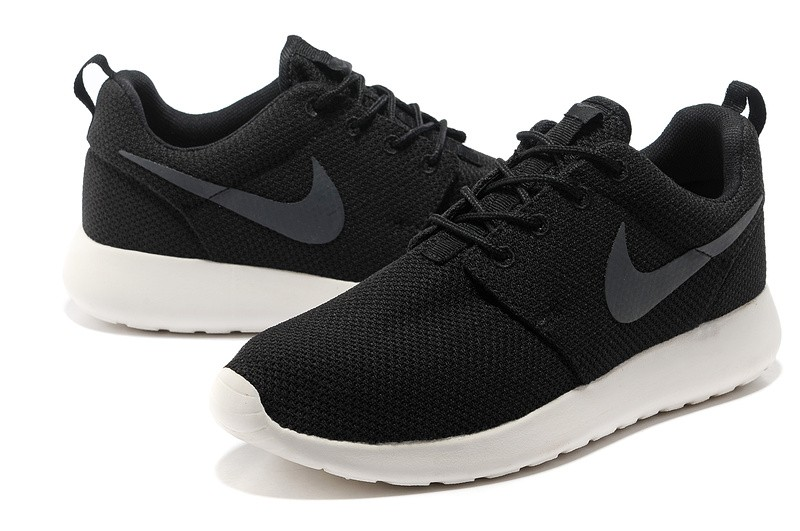 Модель Nike Roshe Run BLACK