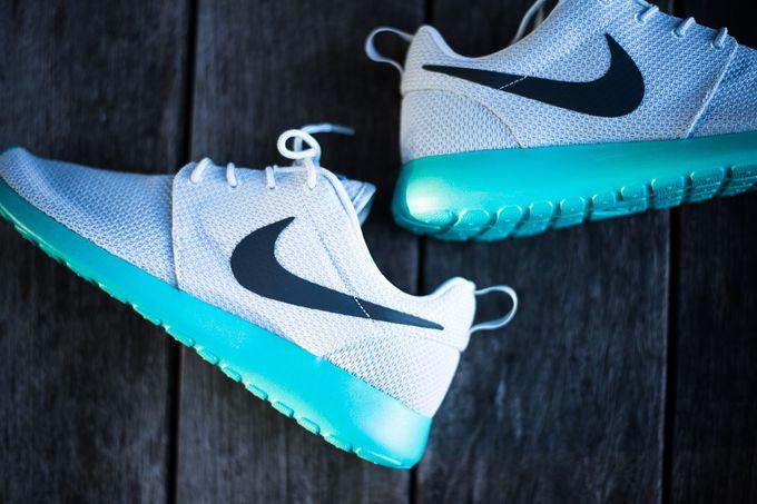 Модель Nike Roshe Run Calypso