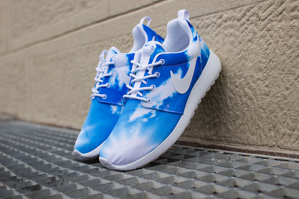 Модель Nike Roshe Run blue sky