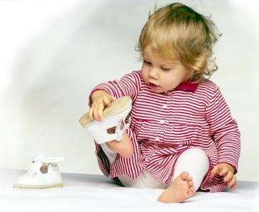 Какой должна быть ортопедическая обувь для детей при вальгусной деформации
