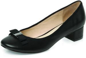 Чёрные туфли на низком каблуке