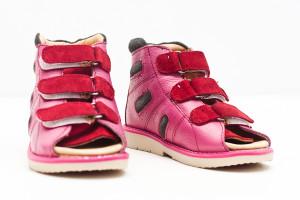 Детские ортопедические кроссовки