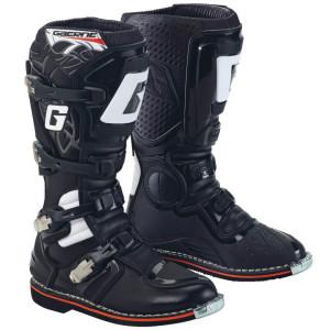 Кроссовая обувь от Gaerne