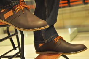 Мужчина в обуви