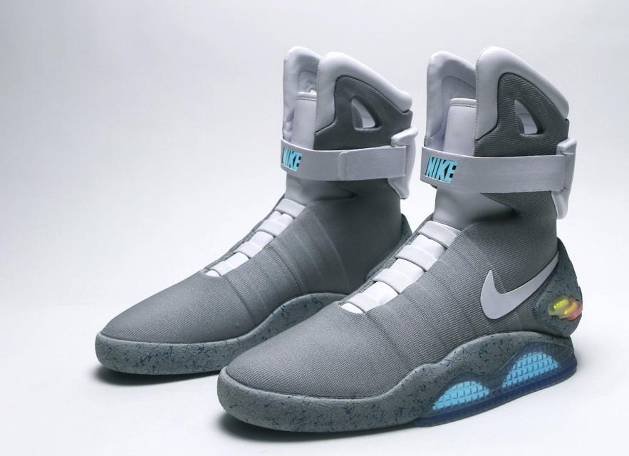 Кроссовки Nike с автоматической шнуровкой