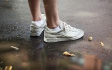 Парень в кроссовках Diadora