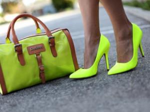 Туфли-лодочки на девушке