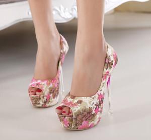Туфли на высоких каблуках для торжественных мероприятий