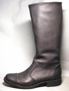 Высокие мужские кожаные сапоги